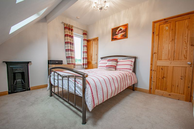 3 bed house for sale in Lickey Rock 8
