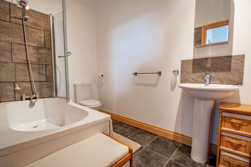 3 bed house for sale in Lickey Rock 10