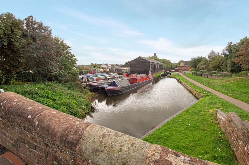2 bed house for sale in Bracken Park Gardens  - Property Image 16