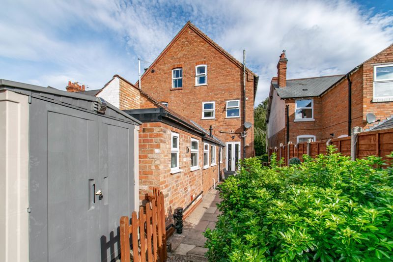 4 bed house for sale in Rectory Road  - Property Image 13