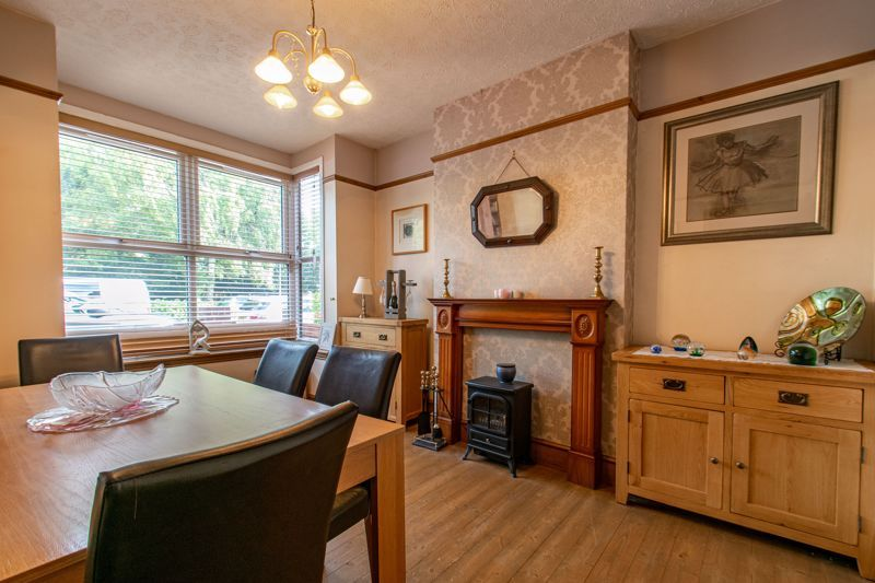 4 bed house for sale in Rectory Road  - Property Image 4