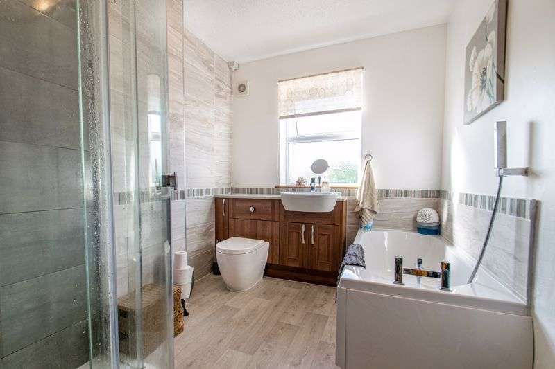 4 bed house for sale in Rectory Road  - Property Image 7