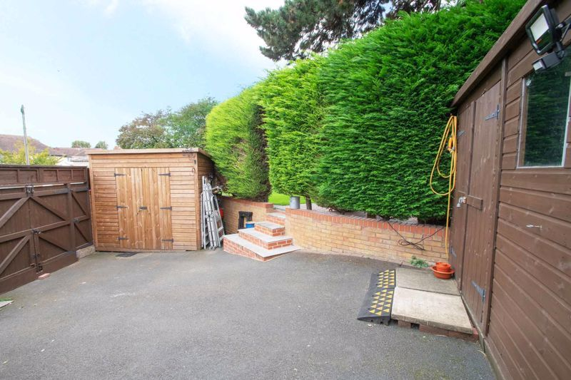 3 bed house for sale in Woodward Road  - Property Image 13