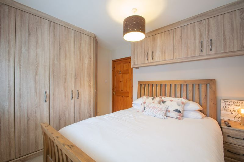3 bed house for sale in Woodward Road  - Property Image 19