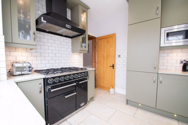 3 bed house for sale in Woodward Road  - Property Image 5
