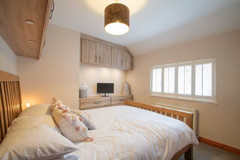 3 bed house for sale in Woodward Road  - Property Image 7