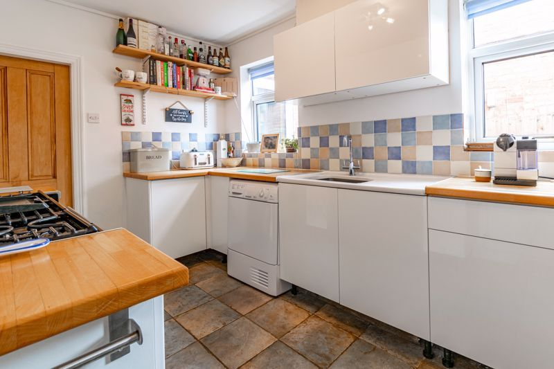 2 bed house for sale in Coronation Terrace, Stoke Road 11