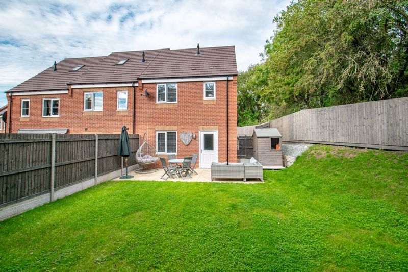 2 bed house for sale in Marton Close 11