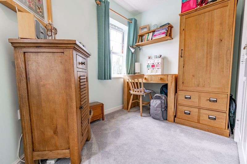 2 bed flat for sale in Newton Square  - Property Image 11