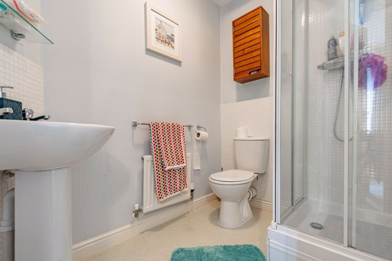 2 bed flat for sale in Newton Square  - Property Image 9