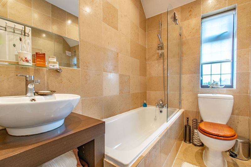 3 bed house for sale in Vicarage Road 11