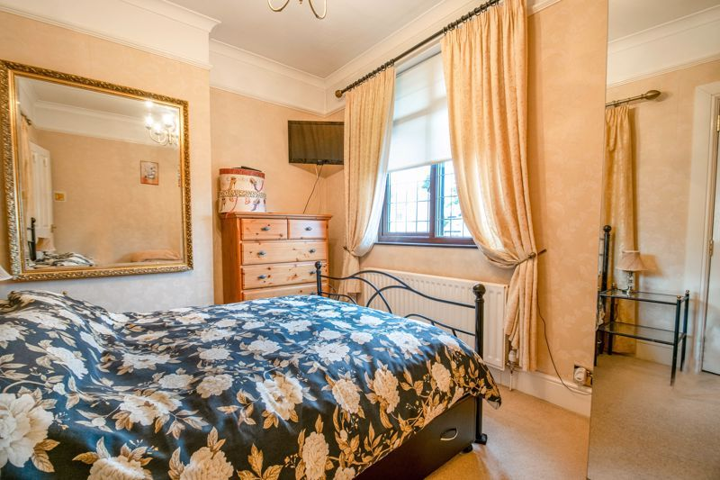 3 bed house for sale in Vicarage Road 14