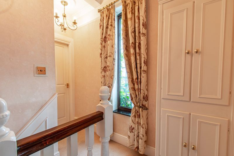 3 bed house for sale in Vicarage Road 15