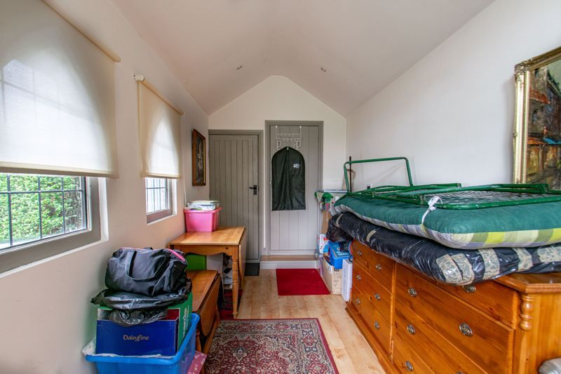 3 bed house for sale in Vicarage Road  - Property Image 18