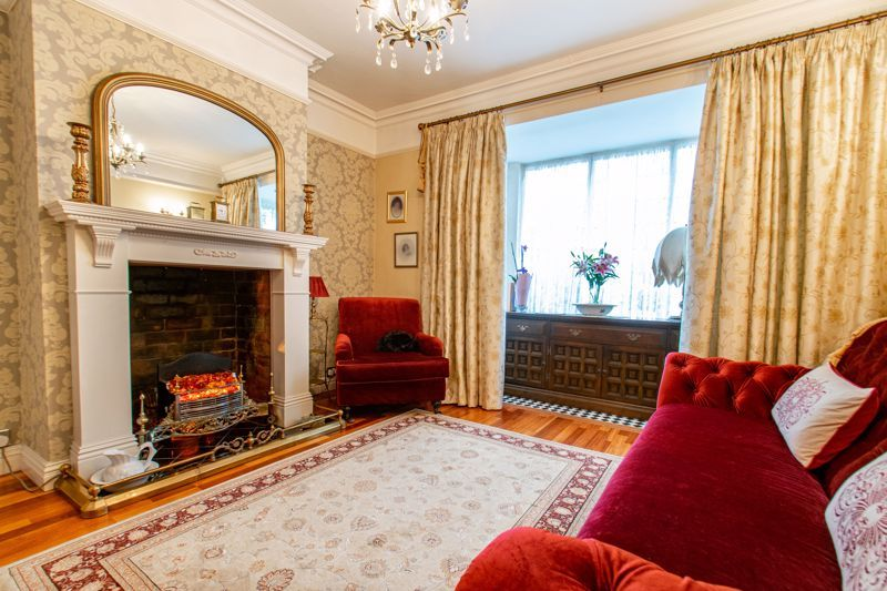3 bed house for sale in Vicarage Road 6