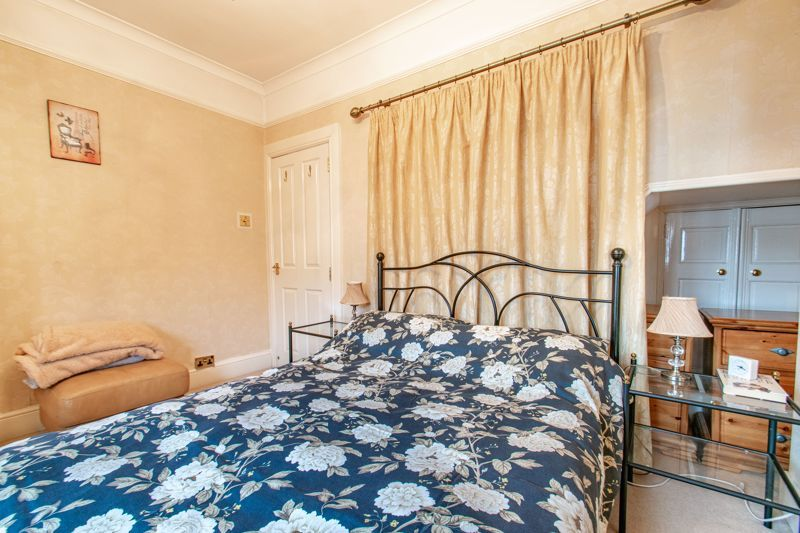 3 bed house for sale in Vicarage Road  - Property Image 9