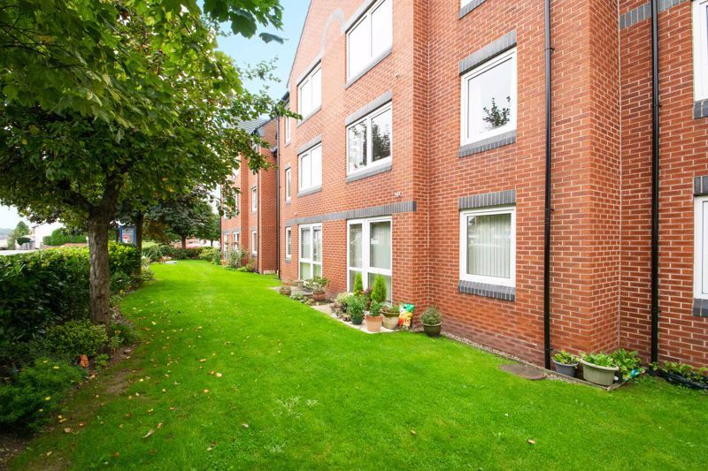 2 bed flat for sale in Blackberry Lane 13