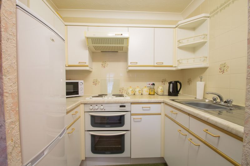 2 bed flat for sale in Blackberry Lane 6