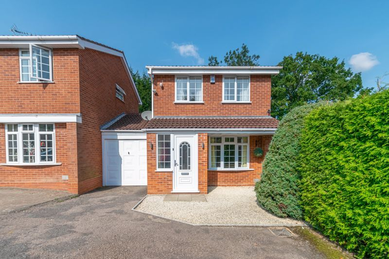 3 bed house for sale in Welford Close 1