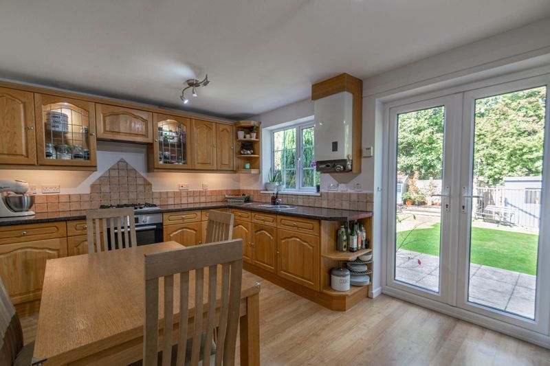 3 bed house for sale in Welford Close 2