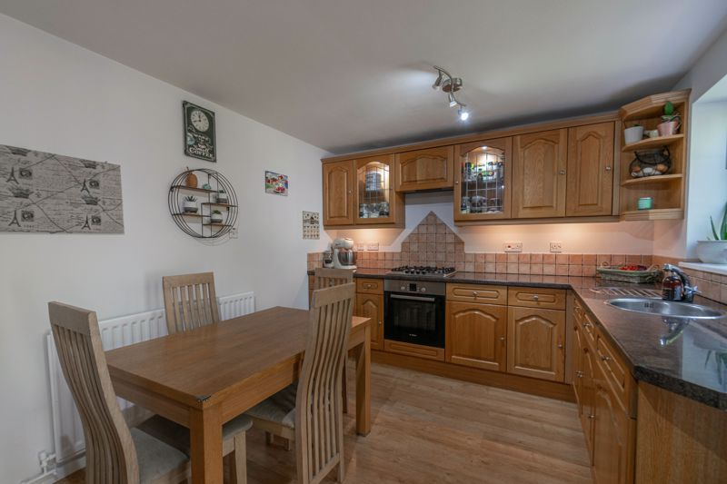 3 bed house for sale in Welford Close 3