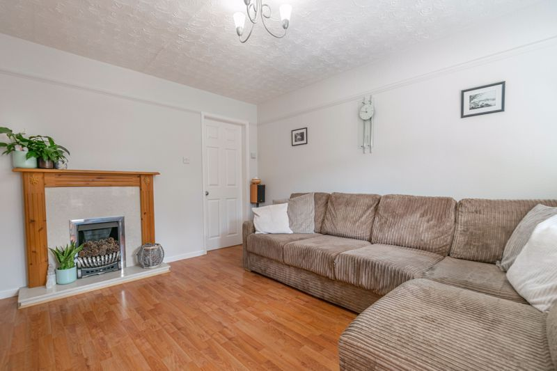 3 bed house for sale in Welford Close 4