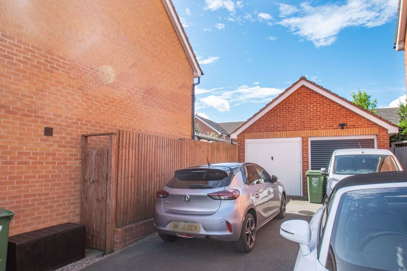 3 bed house for sale in Wheelers Lane 15