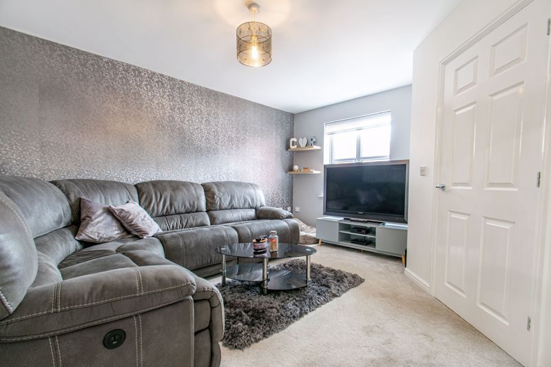 3 bed house for sale in Wheelers Lane 3