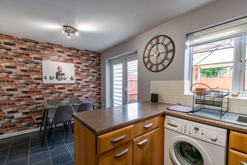 3 bed house for sale in Wheelers Lane 4