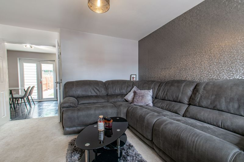 3 bed house for sale in Wheelers Lane 5