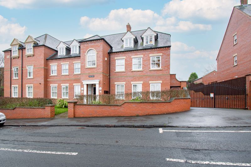 2 bed  for sale in Love Lane  - Property Image 1