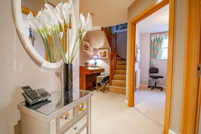 2 bed  for sale in Love Lane  - Property Image 16