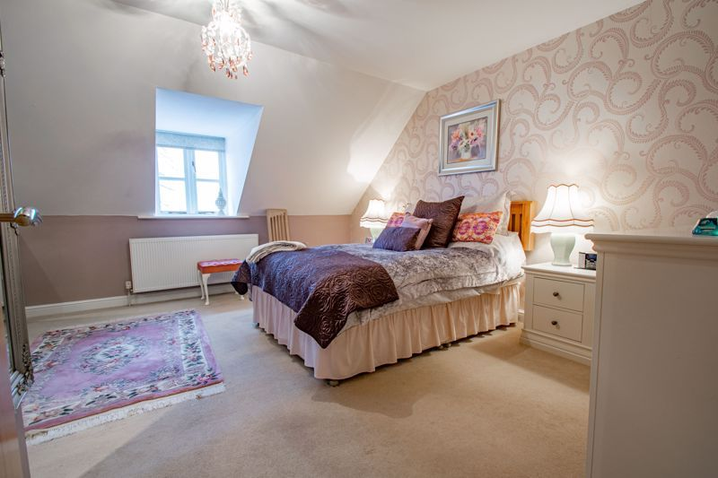 2 bed  for sale in Love Lane 17