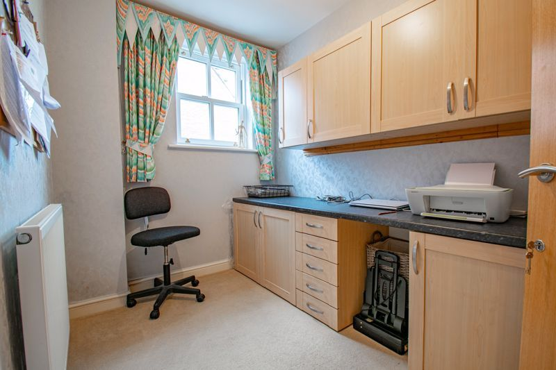 2 bed  for sale in Love Lane 19