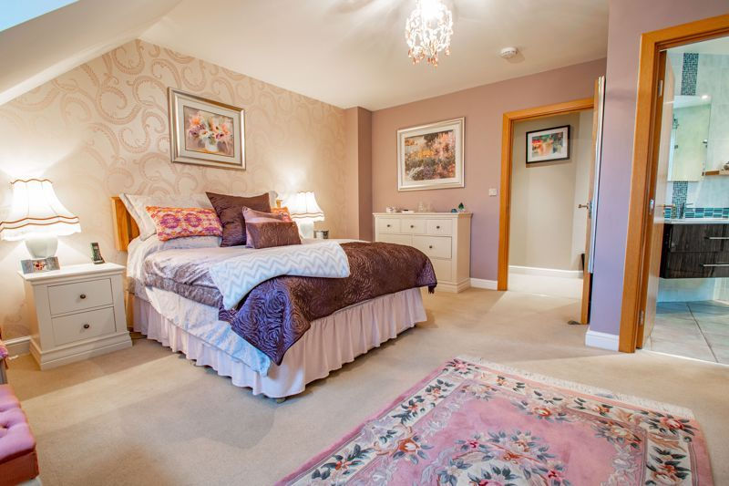 2 bed  for sale in Love Lane  - Property Image 8