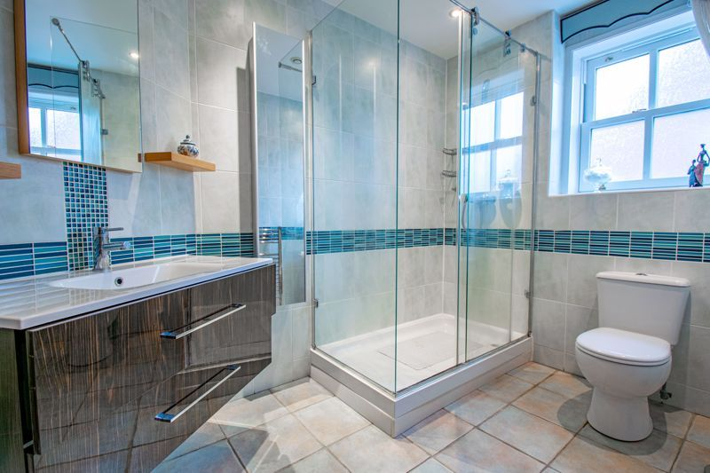 2 bed  for sale in Love Lane 9