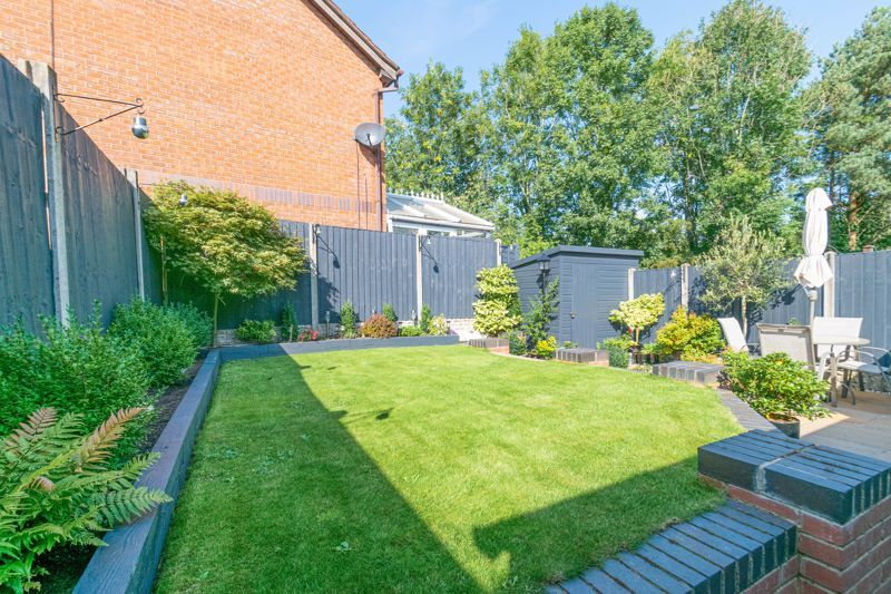 3 bed house for sale in Plymouth Close 12