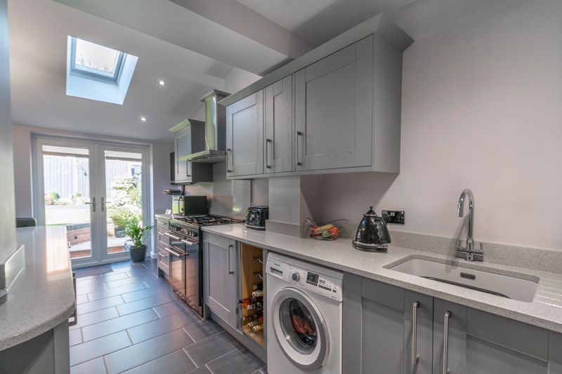 3 bed house for sale in Plymouth Close 3