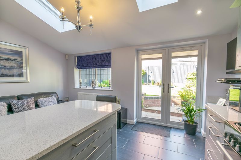 3 bed house for sale in Plymouth Close 5