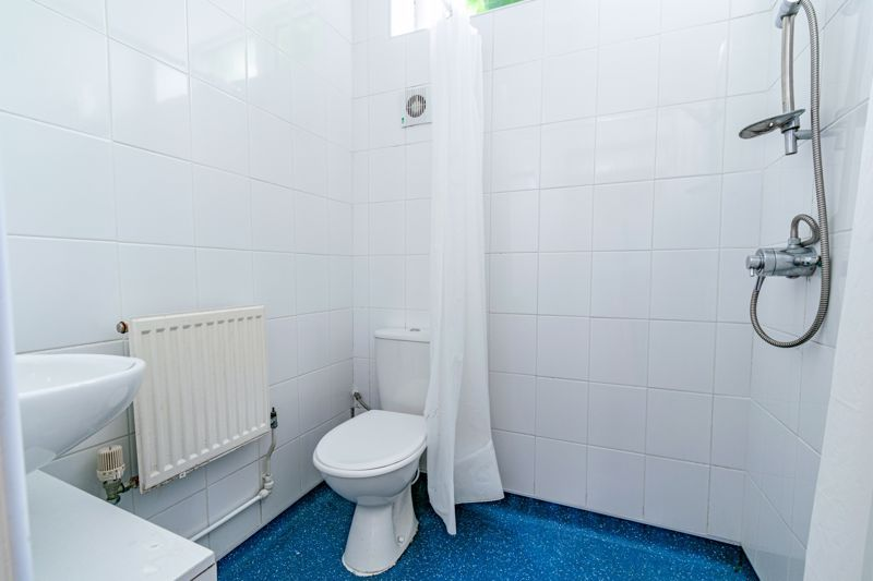 2 bed cottage for sale in Peters Finger 9