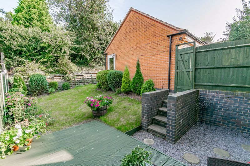 4 bed house for sale in Marlgrove Court 12