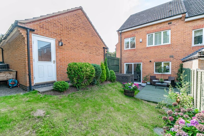 4 bed house for sale in Marlgrove Court 14