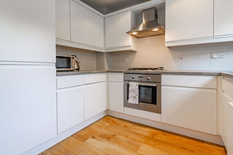 4 bed house for sale in Marlgrove Court 18