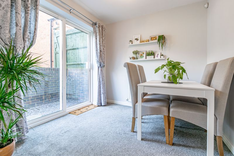 4 bed house for sale in Marlgrove Court 4