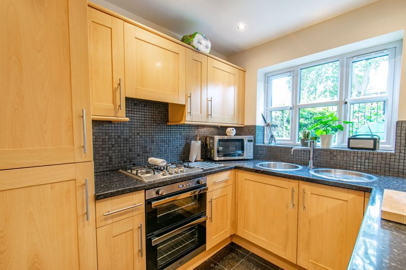 3 bed house for sale in Terrys Close  - Property Image 3