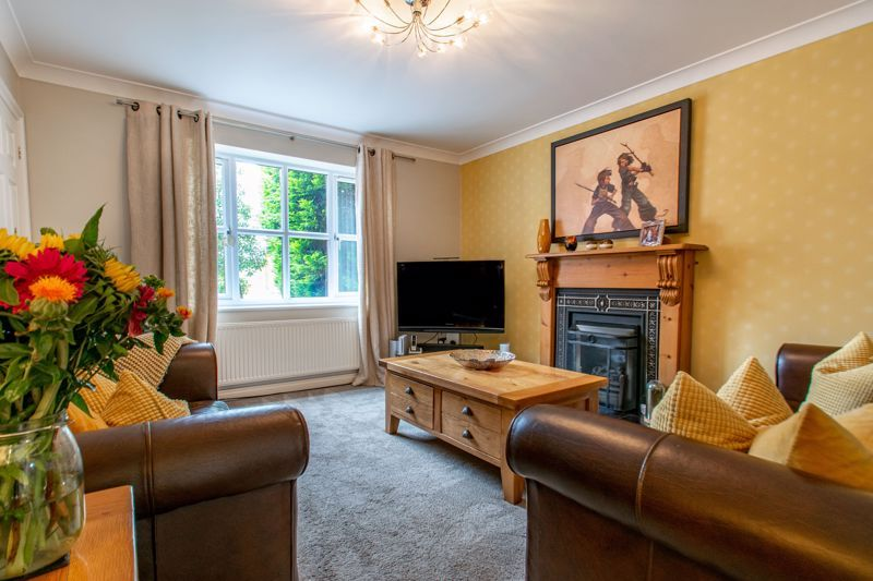 3 bed house for sale in Terrys Close 6