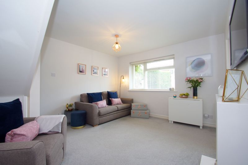 2 bed house for sale in Bilbury Close 2
