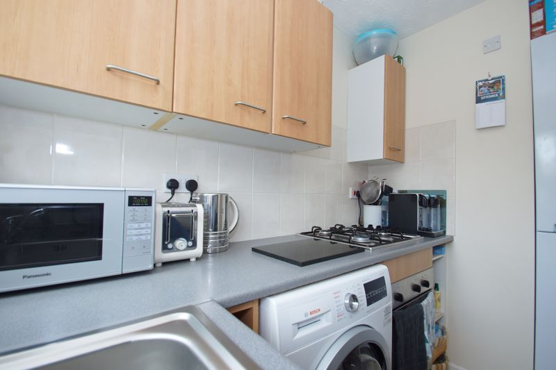 2 bed house for sale in Bilbury Close 5