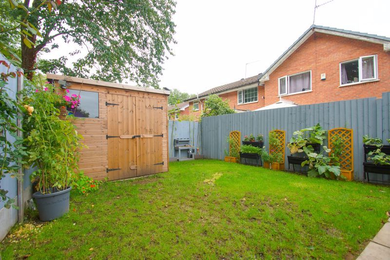 2 bed house for sale in Bilbury Close 10