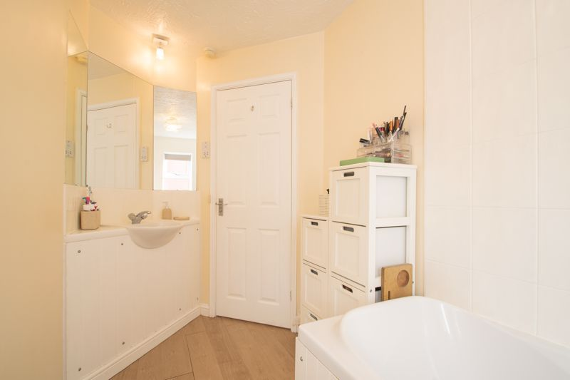 3 bed house for sale in Batchelor Close 19